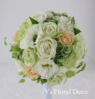 白緑に挿し色をいれたラウンドブーケys floral deco@ヨコハマグランドインターコンチネンタルホテル