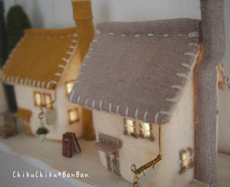 家の明かりは良いね。 #家 #家ランプ #明かり #chikuchikubanban #handmade #フェルト #house