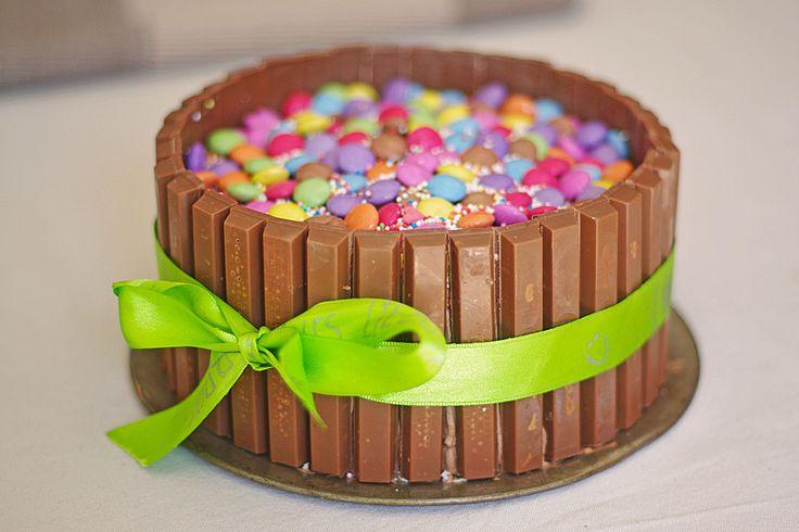 Schokoladen-Kitkat-Smartiestorte, ein sehr schönes Rezept aus der Kategorie Backen. Bewertungen: 97. Durchschnitt: Ø 4,1.