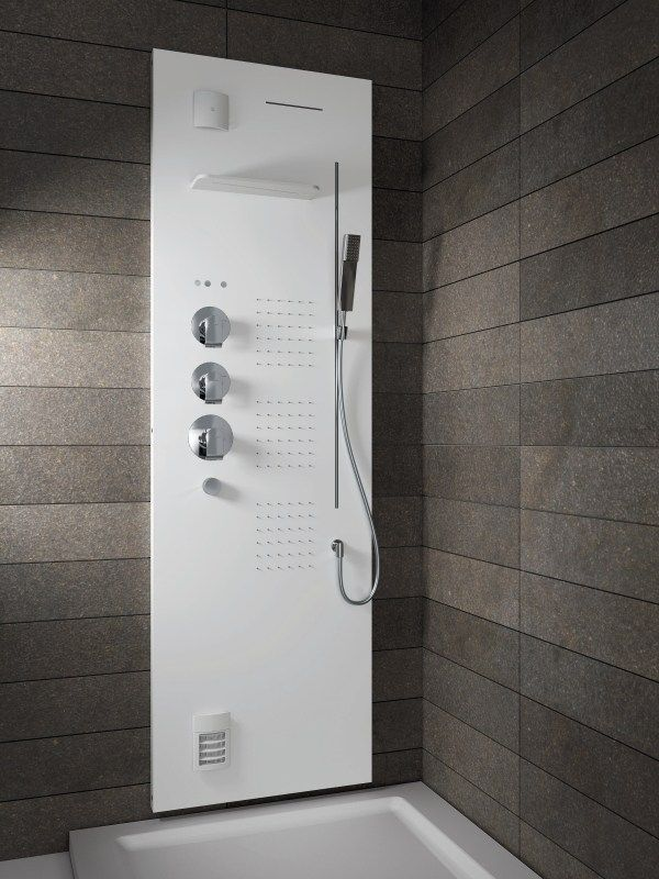 Wall-mounted shower column LIGHT by TEUCO GUZZINI | design Lenci Design. Mauro Guzzi -managing director Teuco Guzzini- is jury member of Lucky Strike Talented Designer Award. Read more http://www.raymondloewyfoundation.it/blog/intervista-a-mauro-guzzini-viviamo-di-prodotto-tecnologico-sviluppato-con-grandi-designer.