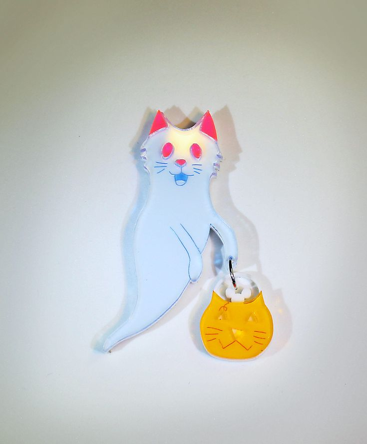 Ghost cat brooch by huelly on Etsy https://www.etsy.com/ca/listing/550427642/ghost-cat-brooch