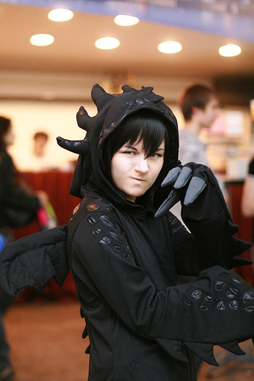 Love this Toothless cosplay!