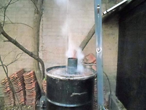 Charcoal Retort- very sucsessful model pic heavy - Solid Fuel Forges - I Forge Iron