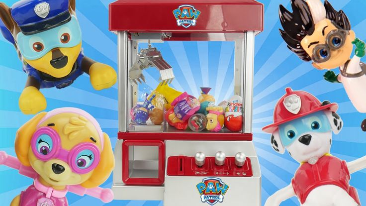 Paw Patrol Paddlin Pups Play CLAW MACHINE Romeo PJ Masks Game Blind Bags Toy Surprise Eggs Fashems with Sparkle Spice.  These are the Paw Patrol bath toys Paddlin pups that can also be thrown into the water as underwater toys. Now babies toddlers can have bath time adventures with their Paw Patrol Puppies. Just turn the crank and put them in the water and let them paddle away with each other!  They can also play the CLAW machine game to win surprises from Finding Dory PJ masks Num Noms and…
