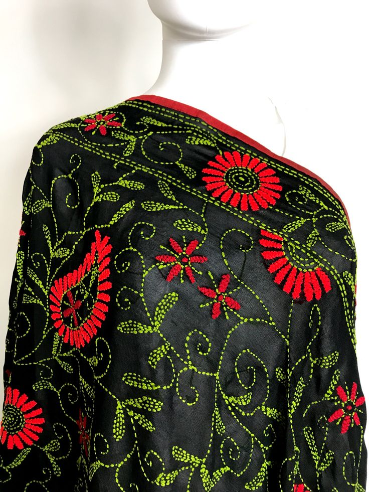 Shop Online our exclusive collection of hand embroidered Phulkari Dupatta's. Ready to Ship fro California. Free shipping in USA! We Ship worldwide. Buy Online www.pinkphulkari.com
