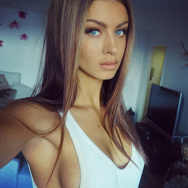 Escort Girl Private Nude Massage