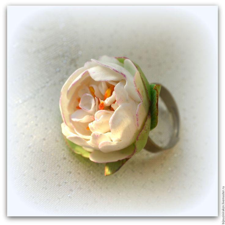 Купить Колечко «Белый пион» из полимерной глины. - белый, Белый пион, кольцо пион