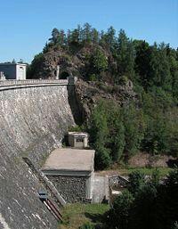 Seč - hráz přehrady