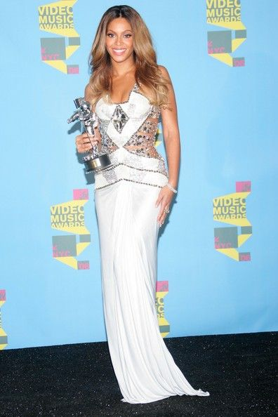 Beyonce Knowles Photos: 2006 MTV Video Music Awards - Press Room