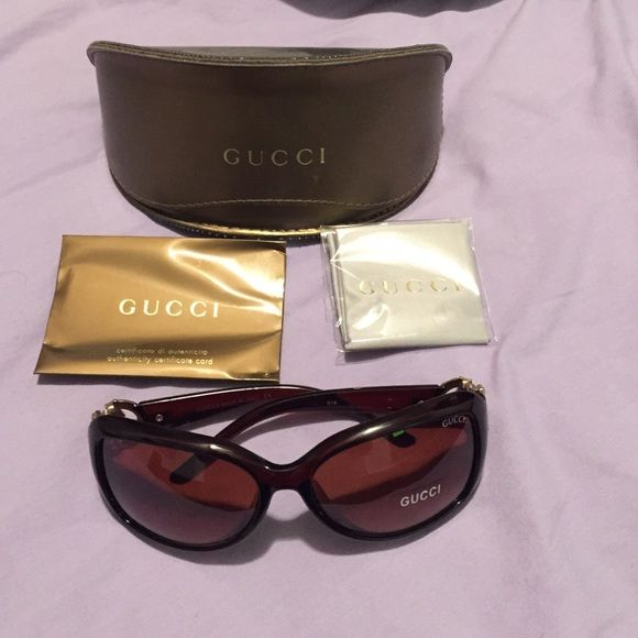 GUCCI sunglasses GUCCI sunglasses. Comes with authenticity cards, cleaning cloth and Gucci sunglass case Gucci Accessories Sunglasses