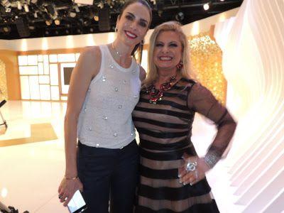 "♥ Lilian Gonçalves marca presença no ""SuperPop"" de Luciana Gimenez na Rede TV! ♥  http://paulabarrozo.blogspot.com.br/2017/02/lilian-goncalves-marca-presenca-no.html"