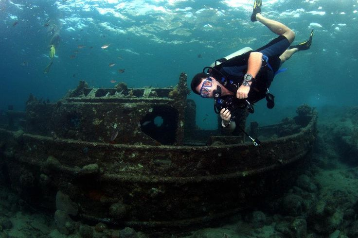 Scuba diving in Curacao with Caribbean Sea Sports