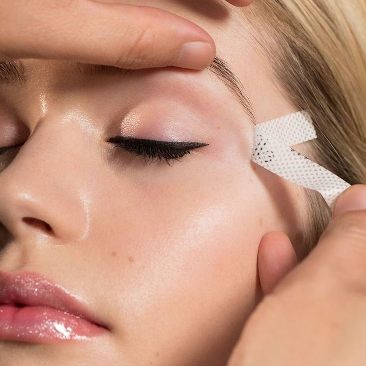 http://www.revelist.com/beauty-news-/elf-cosmetics-eyeliner-tape/11801/<p>When you're all done and you lift the tape, your cat eye should be clean, crisp, and ready to slay!</p>/4/#/4