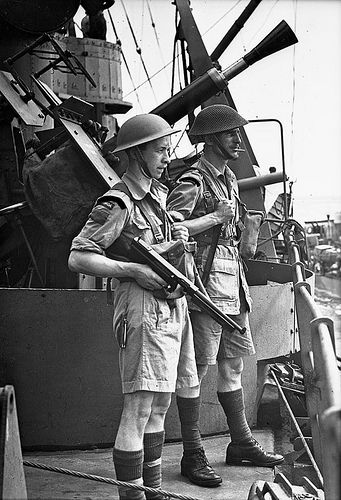 1943: Canadian troops en route to Sicily, Italy / Troupes canadiennes en route vers la Sicile (Italie)