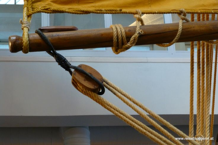 Tack purchase of a traditional balance-lug Marine Museum Cesenatico #cesenaticobellavita