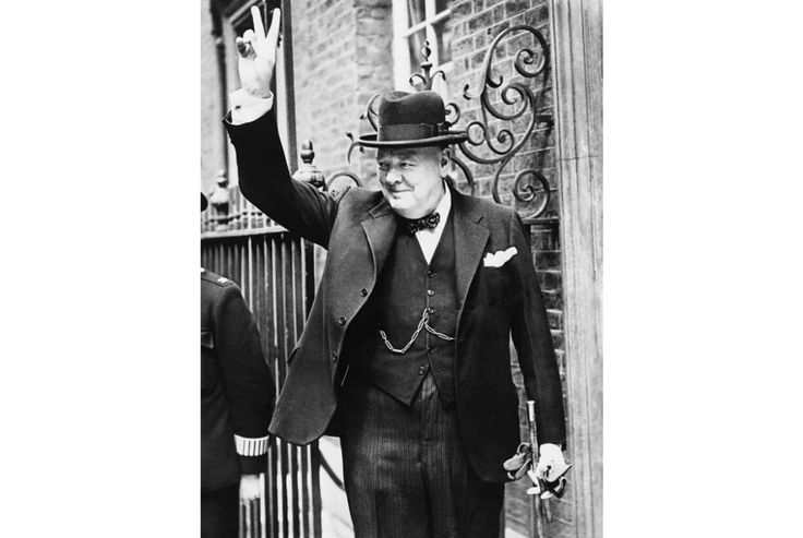 winston churchill analysis we shall fight They'll need to describe the role winston churchill played in the war,  churchill's speech: we shall fight on the beaches  in this art analysis lesson,.