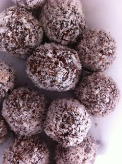 Healthy Thermomix Recipes: Chocolate Fruit and Nut Balls