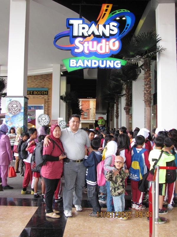 Jalan-jalan ke Trans Studio Bandung, Januari 2012