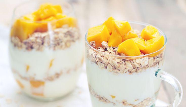 Mango haver ontbijt met yoghurt