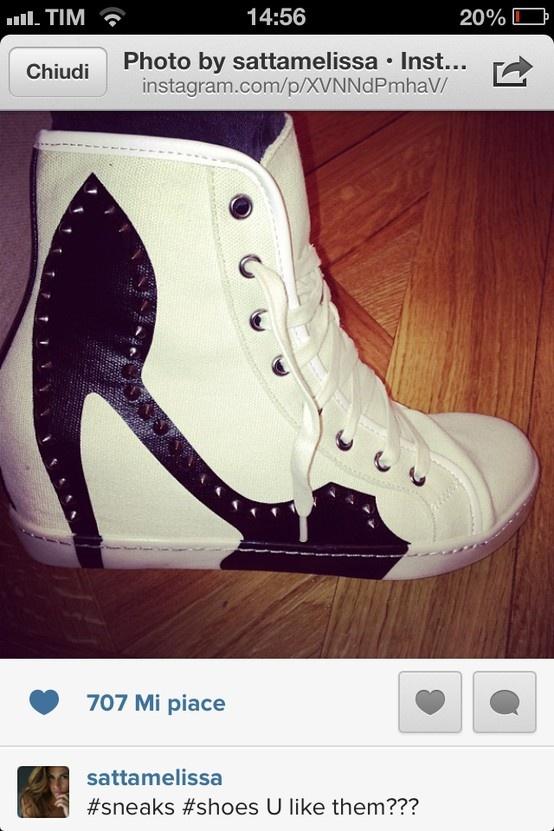 Melissa Satta tweets Colors of California sneakers