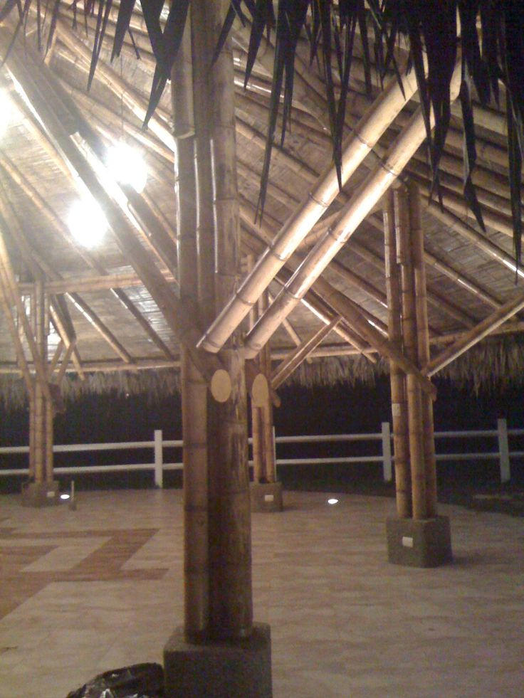 Detalles glorietas en bamboo. Diseño y construcción Loaiza Construcciones. Bucay, Ecuador.