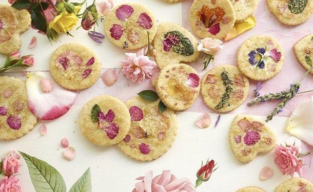 Подарочное печенье с цветами
