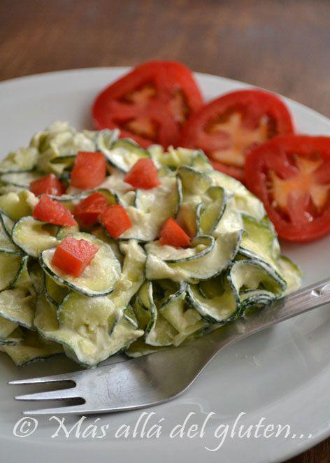 """Más allá del gluten...: """"Pastas"""" de Zucchini con Salsa de Queso Vegana (Receta SCD, GFCFSF, Vegana, RAW)"""