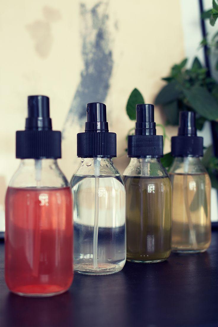 Naturlig hårstyling som dessutom är vårdande? Vi har gjort flera varianter på saltvattenspray, som ger stadga och struktur till håret helt naturligt.