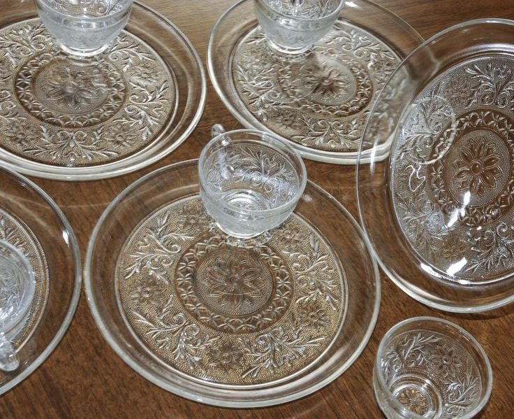 SET OF 5 ANCHOR HOCKING LUNCHEON PLATES u0026 CUPS DOUBLE SANDWICH DEPRESSION GLASS : luncheon plates with cup holder - pezcame.com
