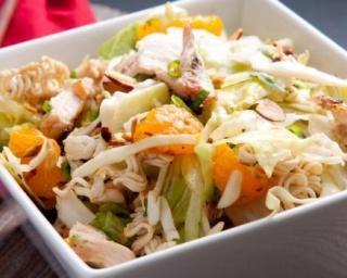 Salade de poulet aux amandes et à l'orange