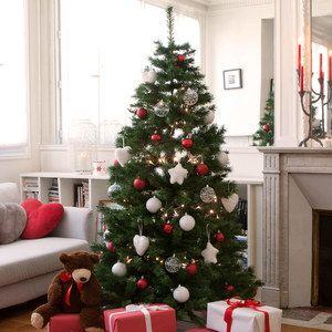 Sapin de Noël Artificiel Pas Cher  http://www.homelisty.com/sapins-noel-delamaison-pas-cher/