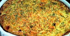Para quem não sabe, a fritada, diferente da omelete, não é fofa, nem recheada. O recheio vai junto com a mistura de ovos e é assado junto. Assado sim. Apesar de gostar muito de fritada, sempre evitava fazer por conta da fritura, que é coisa raríssima aqui em casa... #abobrinha #cenoura #legumes