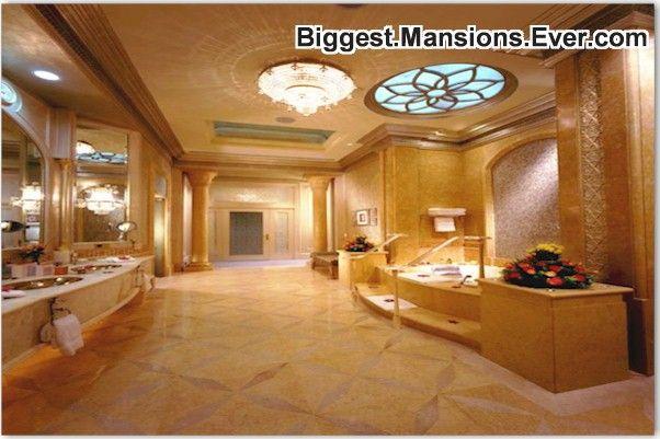 Image On MY DREAM BATHROOM moneymoneymoney somuchroomidontknowwhattodowithit Mansions I want Pinterest Dream bathrooms Big mansions and Luxurious bathrooms