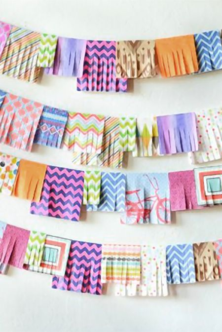 + turn napkins into garlands +