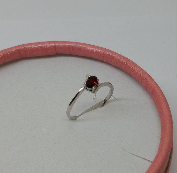 Eleganter zierlicher Ring Silber 925 Granat SR334 von Schmuckbaron