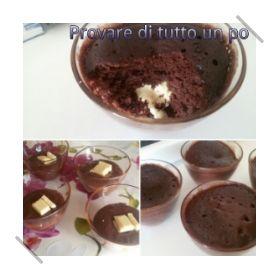 Mug+cake+al+cioccolato+dal+cuore+bianco