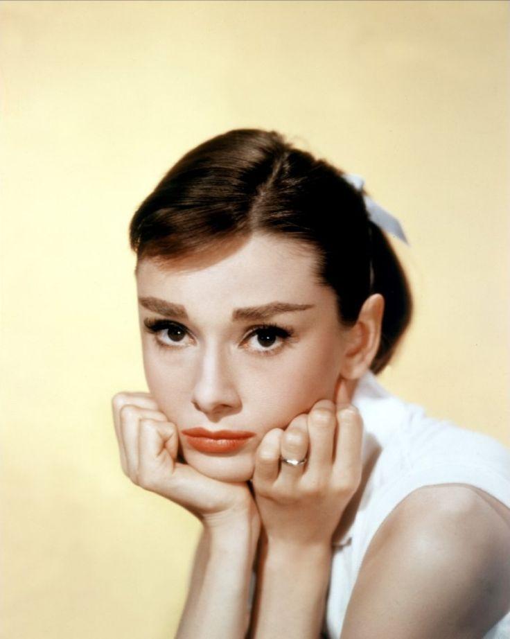 Audrey Hepburn: Inspiration, Vintage, Classic Beautiful, Audrey Hepburn, Hollywood, Audreyhepburn, Celebrities, Icons, Beautiful People