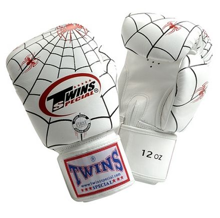 Boxerské rukavice Twins speciální edice Spider #http://pinterest.com/savate1/boards/ Boxing gloves have a distinctive art that allows you to express your personality and style.