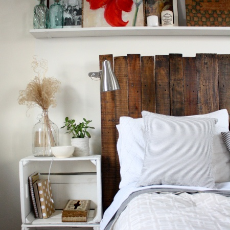 DIY vertical wooden headboard