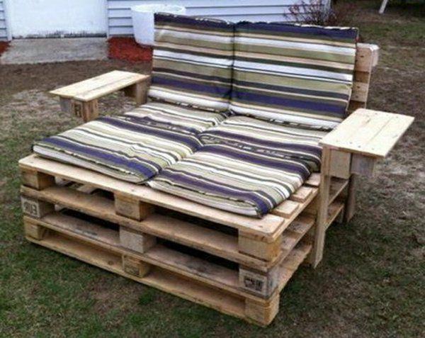 les 25 meilleures id es de la cat gorie chaises longues en palettes sur pinterest chaises. Black Bedroom Furniture Sets. Home Design Ideas