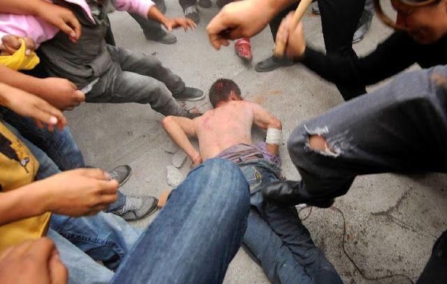 Policía evita el linchamiento de un joven ladrón de motos en La Victoria  http://www.facebook.com/pages/p/584631925064466
