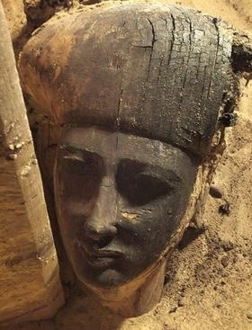 Wooden sarcophagus hidden for thousands of years unearthed by archaeologists at…