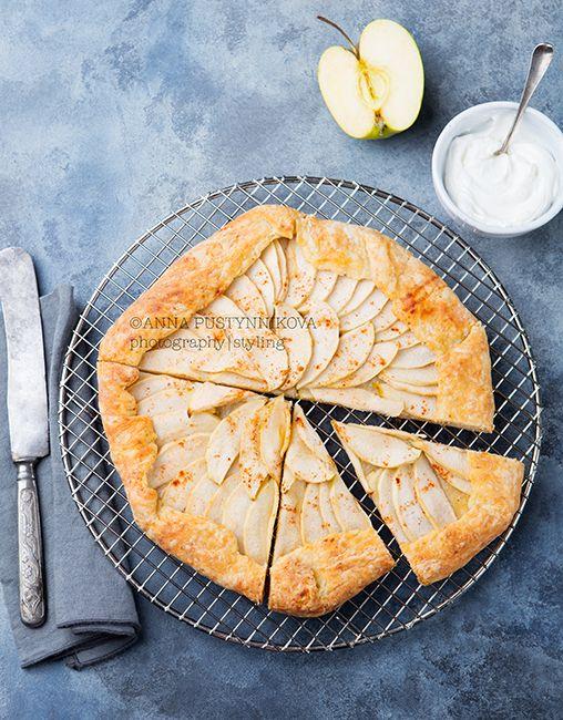 Всякие приятности)) и прекрасная яблочная галета - Life tastes great!