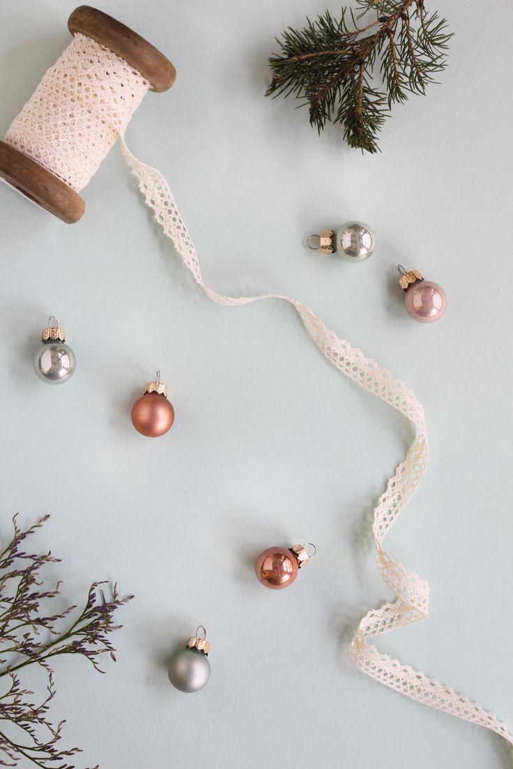 Bloom & Wild Letterbox Christmas Tree Flatlay #treestyle
