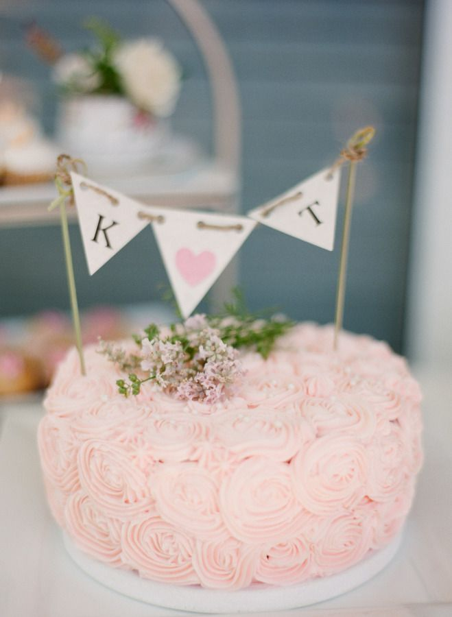Beautiful bridal shower cake: http://www.stylemepretty.com/living/2015/08/14/backyard-garden-bridal-shower/ | Photography: Nadia Hung - http://nadiahungphotography.com/