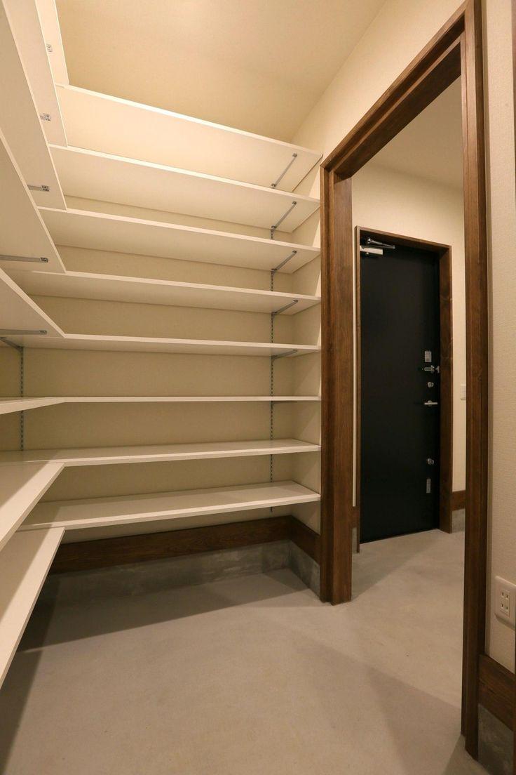 収納事例:大容量のシューズクローク(『K's residence』デザイン性にこだわった、大きな吹き抜けの家)