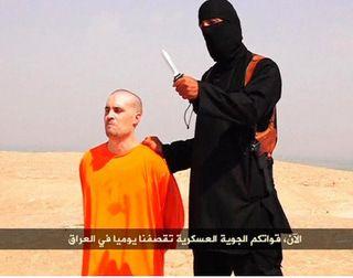 Все же интересно, признают США ИГ когда-нибудь или нет? Возможно ли это забыть: Американский журналист Джеймс Фоули перед казнью палачом ИГ.
