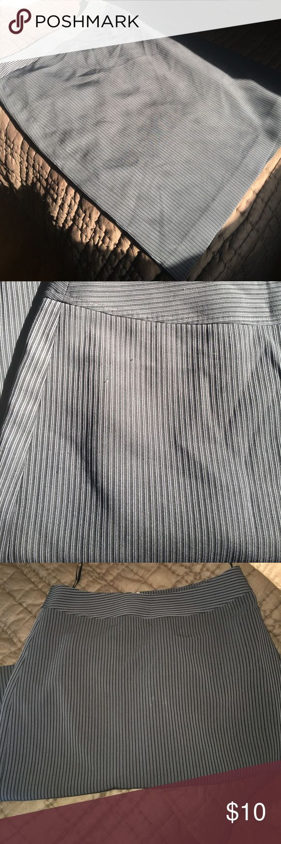 Lined blueish black striped pencil skirt Georgiou studios pencil skirt. Lined good used condition great for office wear, size 4 georgiou Skirts Pencil