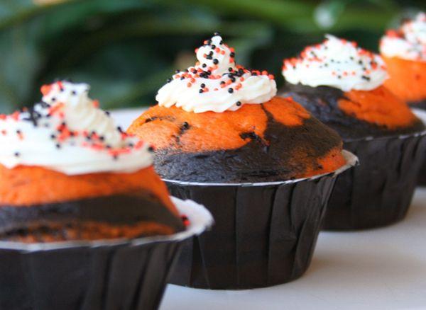 Not pumpkin, but black and orange cupcakes. so cute!