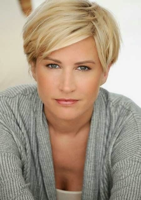 short hairstyles for mature women ideas
